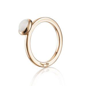 Love Bead Ring Gold - Moonstone - Efva Attling ringar - Snabb frakt & paketinslagning - Nordicspectra.se