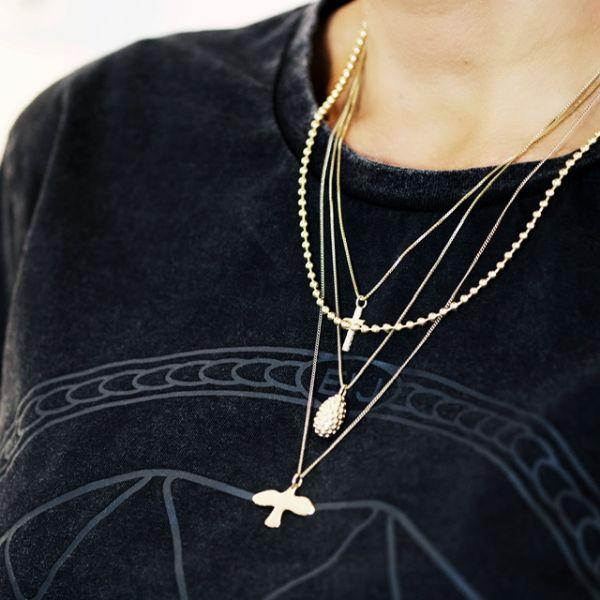 Branch Cross Necklace Gold - Emma Israelsson - Snabb frakt & paketinslagning - Nordicspectra.se